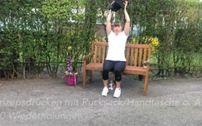 Übungen auf der Parkbank